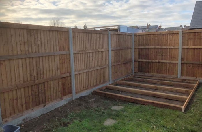 Fencing services in Ipswich, clearing garden and erecting a new fence and shed