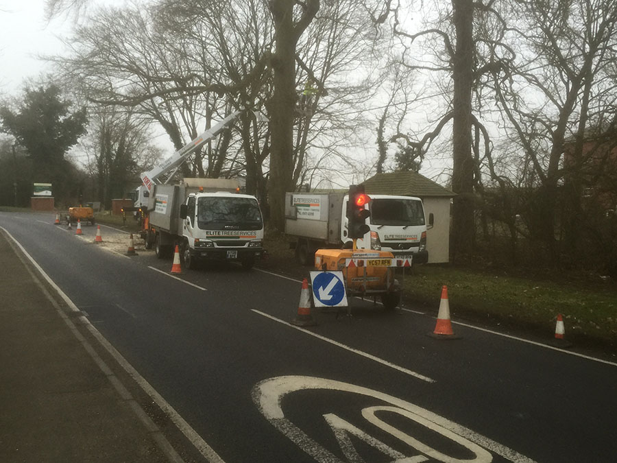 2-Dunmow-Road-Early-AM-Day-1-traffic-control-IMG_0293